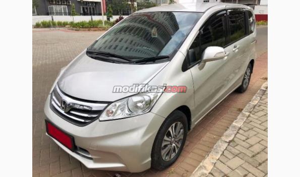 2012 Honda Freed 1.5 Psd AT Silver Metalik